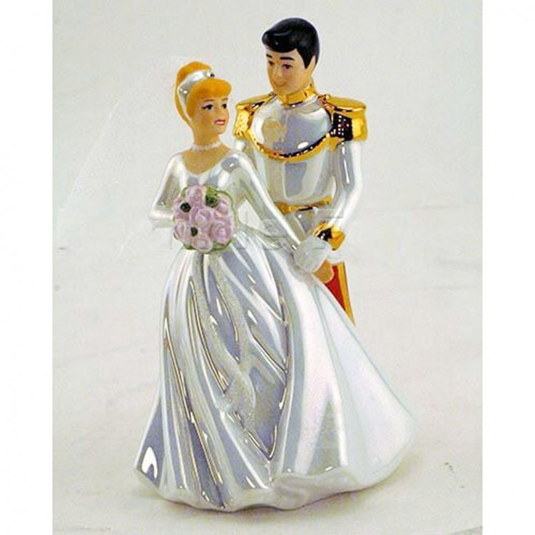 Classic Cinderella Wedding Cake Topper Picture in Wedding Cake