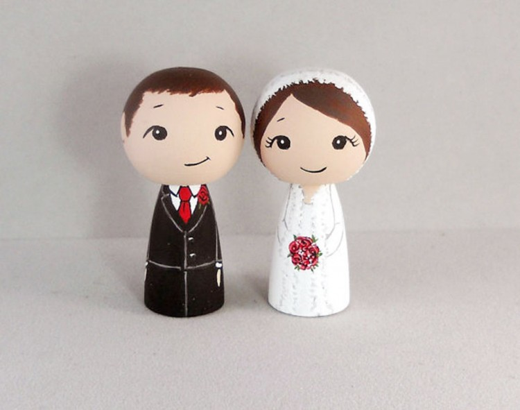 Couple Winter Wedding Cake Toppers Picture in Wedding Cake