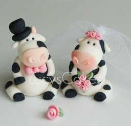 1024x698px Cow Wedding Cake Topper Picture in Wedding Cake