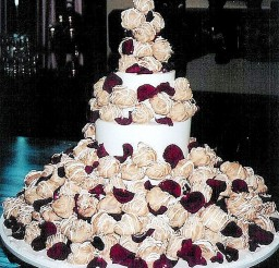 1024x1170px Cream Puff Wedding Cake Ideas Picture in Wedding Cake