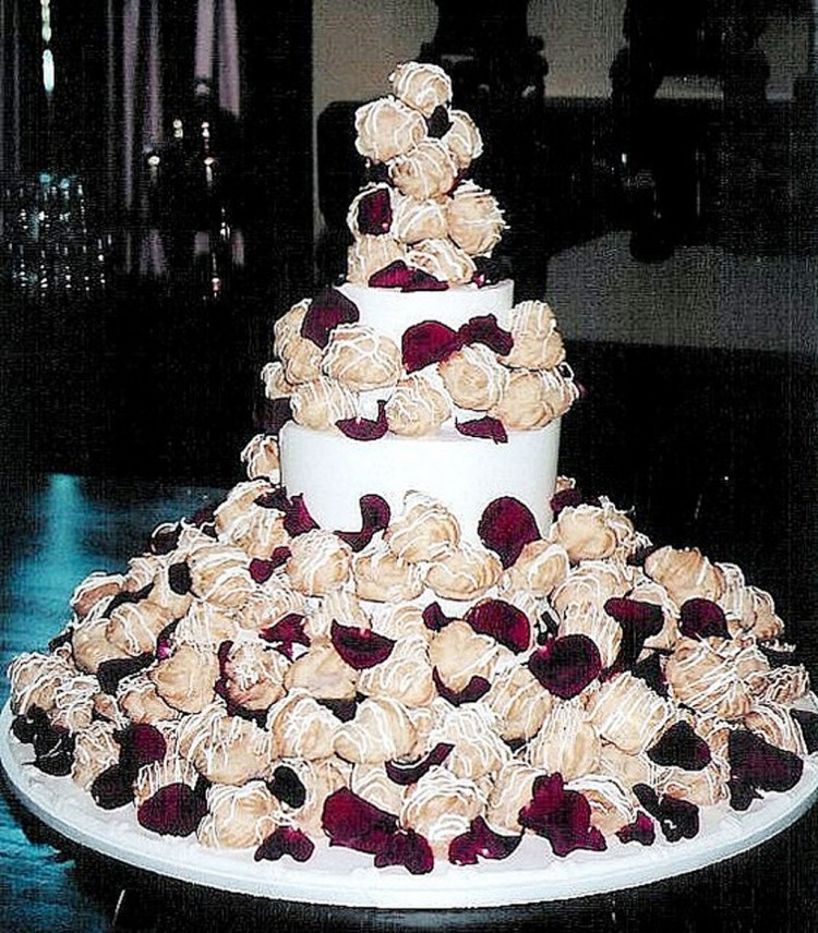 Cream Puff Wedding Cake Ideas Picture in Wedding Cake