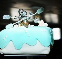 1024x679px Custom Kayak Wedding Cake Topper Picture in Wedding Cake