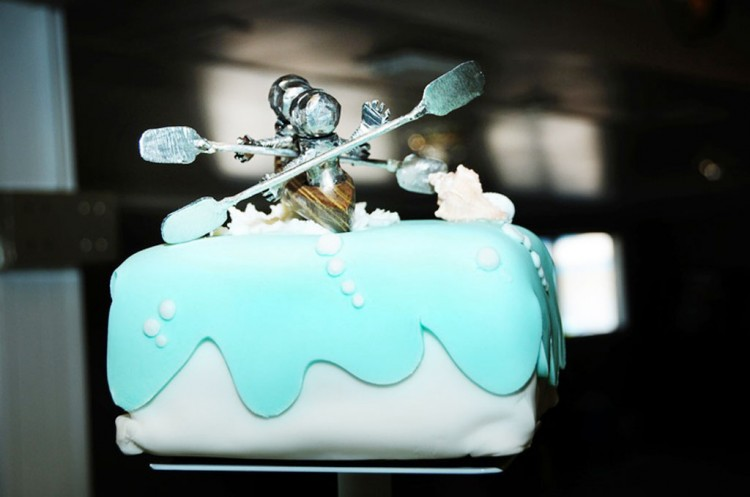 Custom Kayak Wedding Cake Topper Picture in Wedding Cake