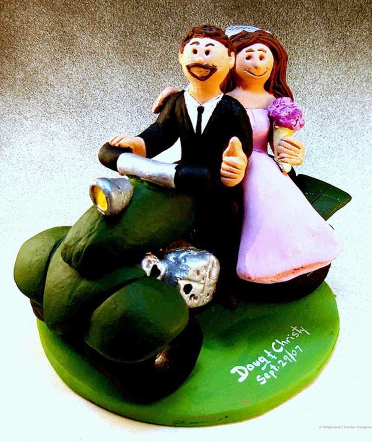 Cute ATV Wedding Cake Topper Picture in Wedding Cake