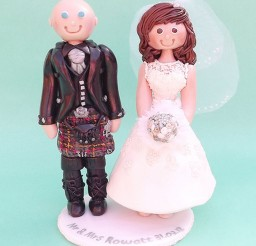 1024x1510px Cute Scottish Wedding Cake Topper Picture in Wedding Cake