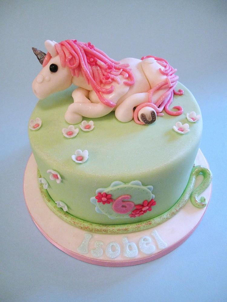 Cute Unicorn Birthday Cake Picture in Birthday Cake