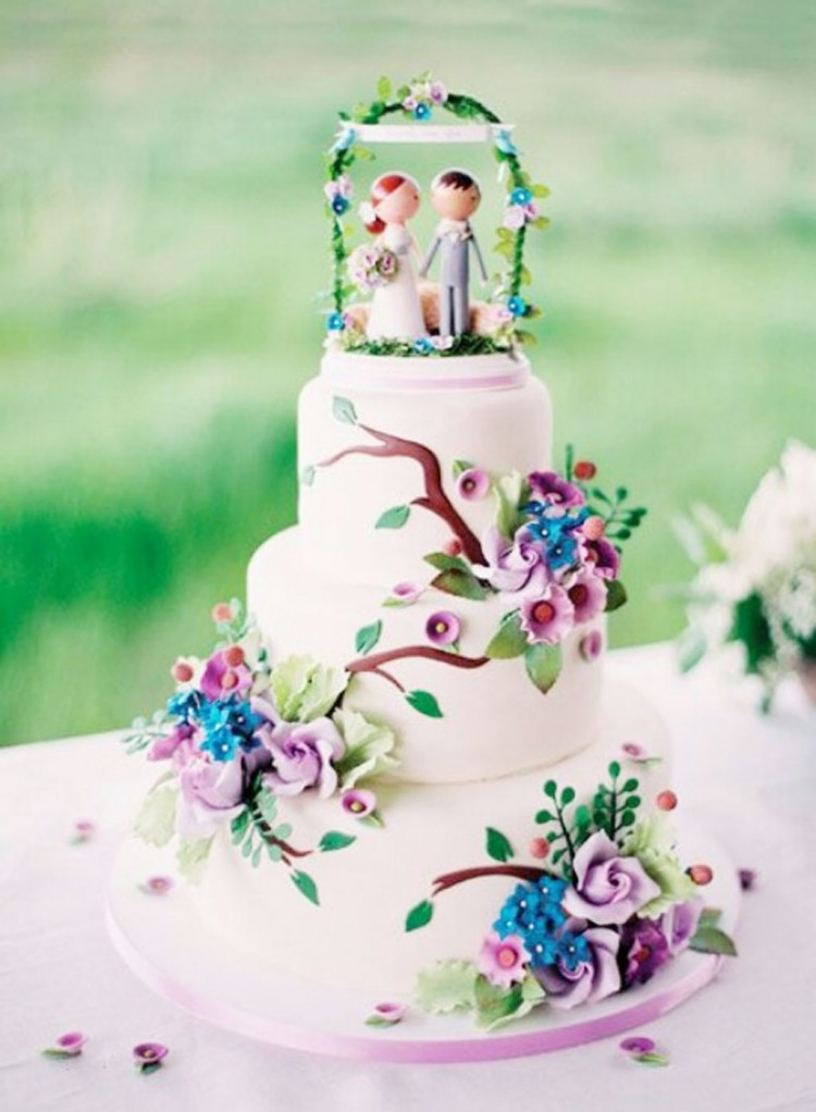 Cute Whimsical Wedding Cake Picture in Wedding Cake