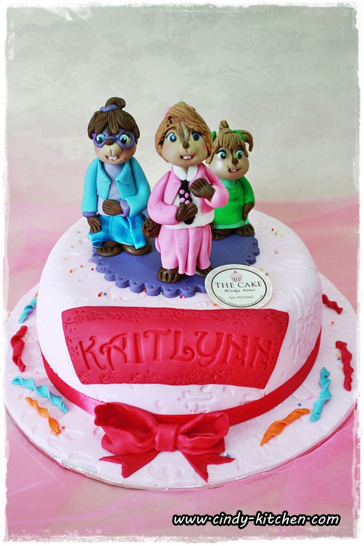 Cute Fondant Chipettes Birthday Cake Designs Picture in Birthday Cake