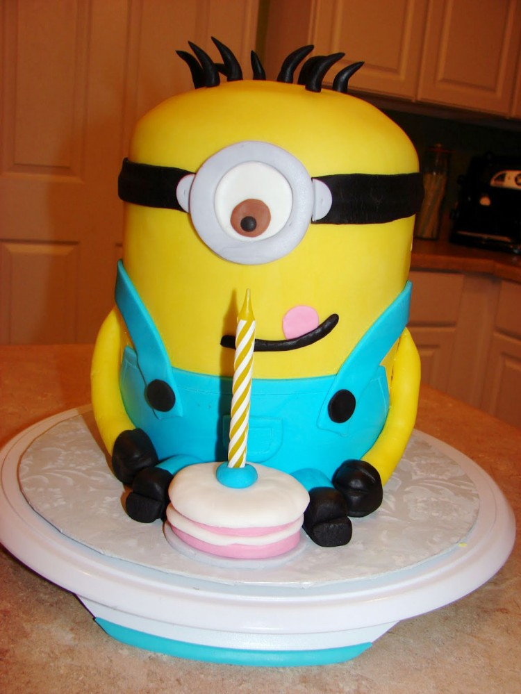 Cute Minion Birthday Cakes Picture in Birthday Cake