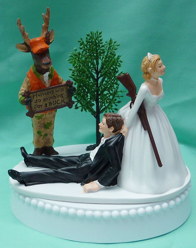 Deer Hunting Wedding Cake Toppers Picture in Wedding Cake