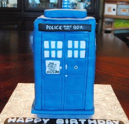 1024x1149px Doctor WhoTardis Birthday Cake Picture in Birthday Cake