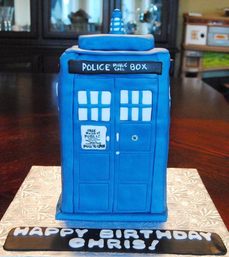Doctor WhoTardis Birthday Cake Picture in Birthday Cake