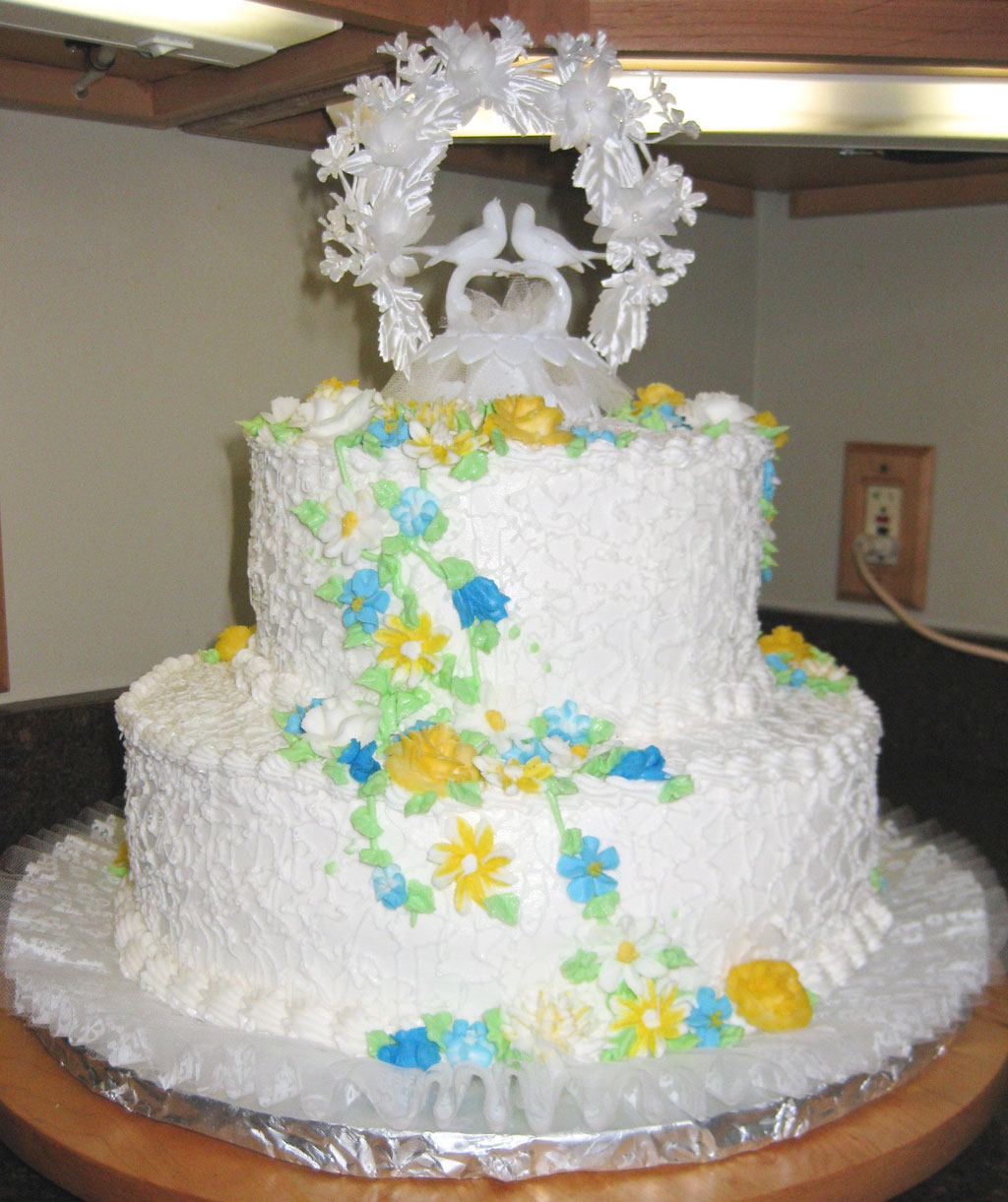 Double Layer Wedding Cake Pic 3 Wedding Cake Cake Ideas By