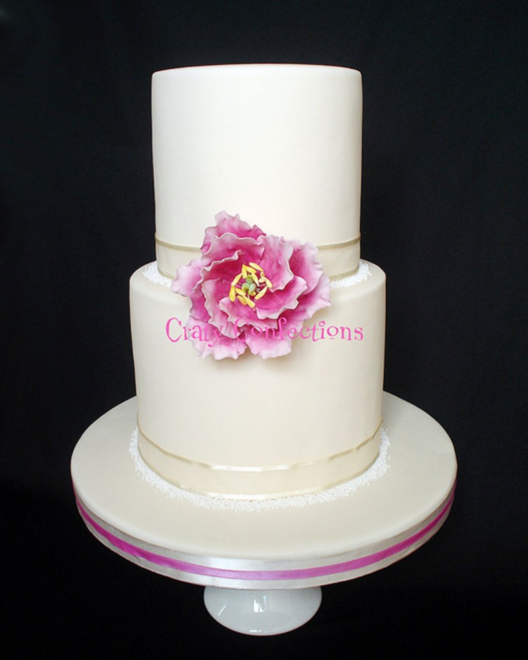 Double Layer Wedding Cake Pic 5 Picture in Wedding Cake