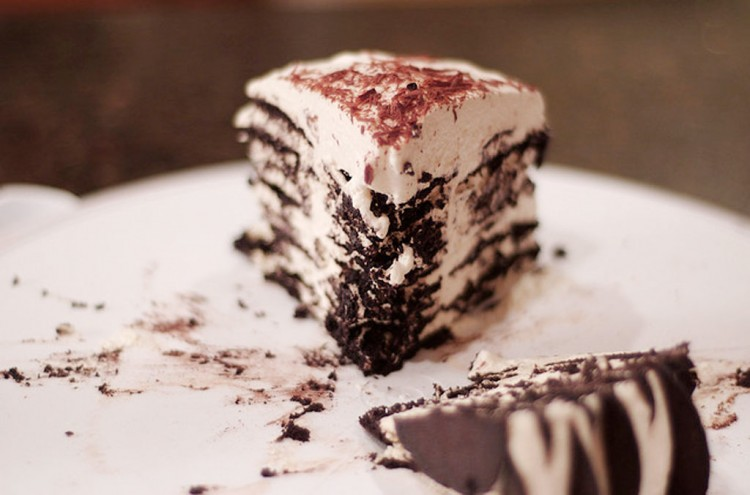Dulce Chocolate Wafer Icebox Cake Picture in Chocolate Cake