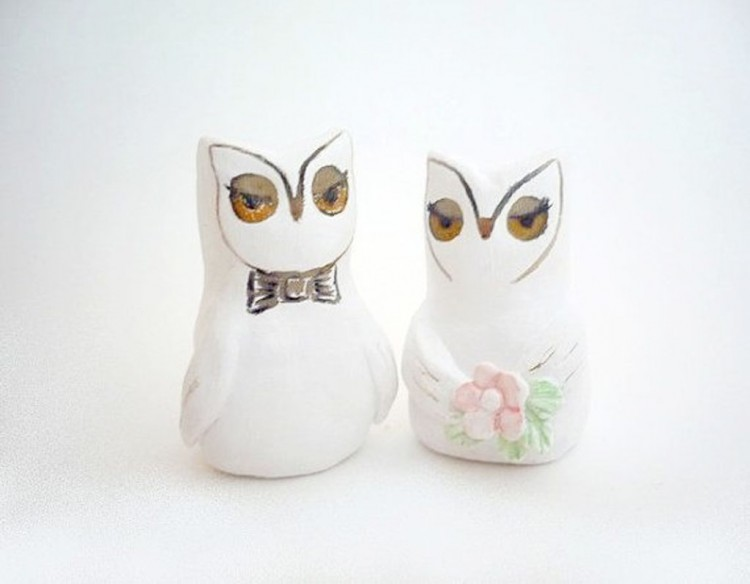 Elegant Owl Wedding Cake Topper Picture in Wedding Cake