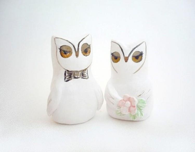 Elegant Owl Wedding Cake Topper Picture in Wedding Cake