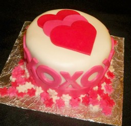 1024x902px Fondant Covered Pound Cake For Valentines Picture in Valentine Cakes