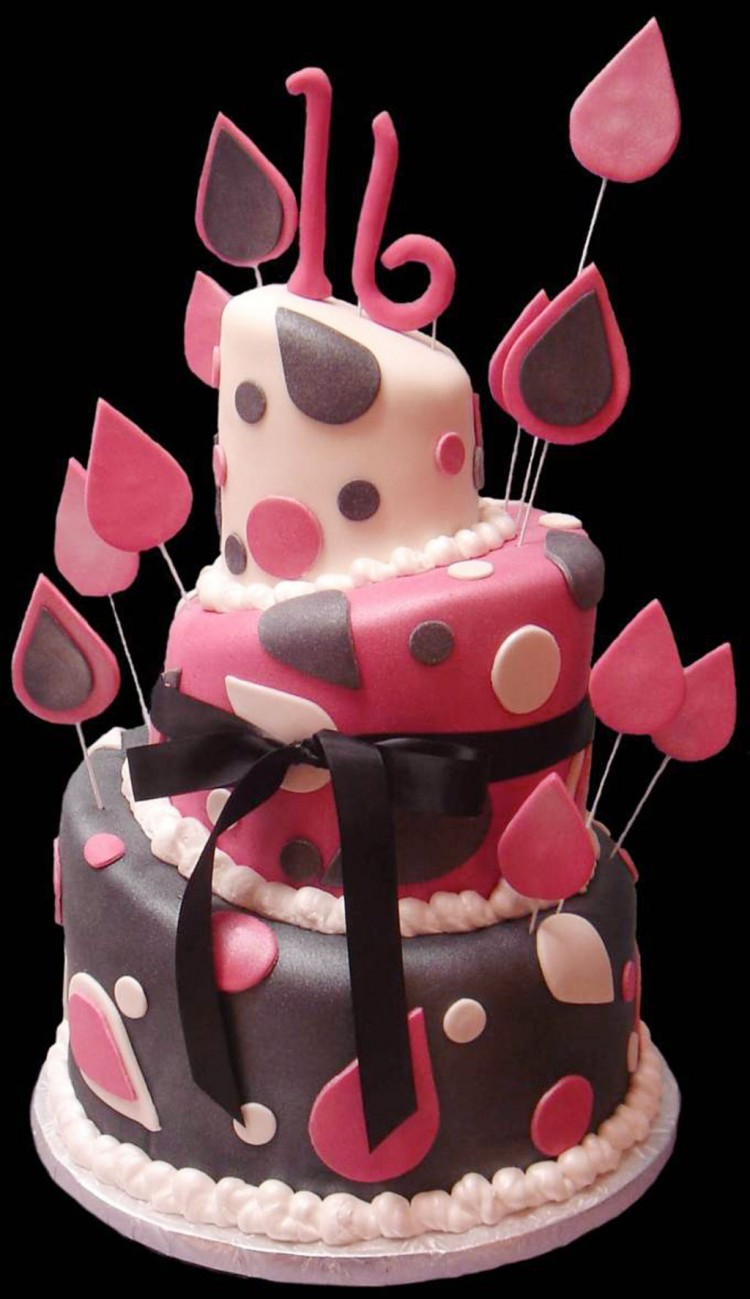 Fondant Covered Sweet Sixteen Birthday Cake Picture in Birthday Cake