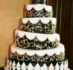 1024x1303px Four Layer Black And White Wedding Picture in Wedding Cake