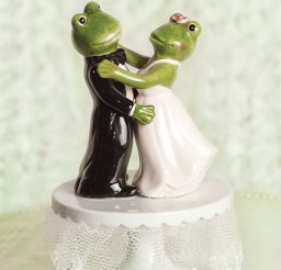 1024x1304px Froggie Dancing Wedding Cake Toppers Picture in Wedding Cake