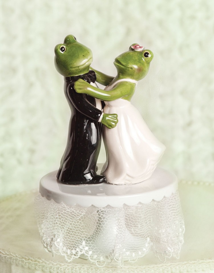 Froggie Dancing Wedding Cake Toppers Picture in Wedding Cake