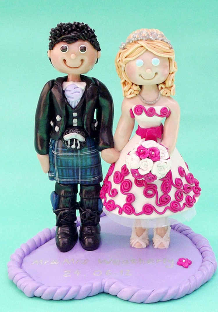 Funny Scottish Wedding Cake Topper Picture in Wedding Cake