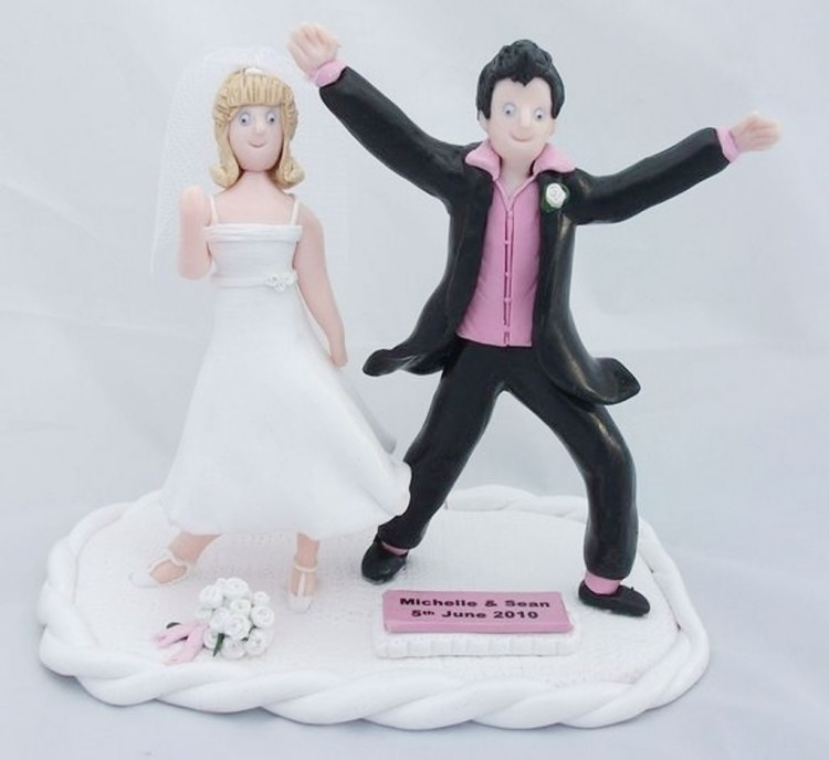 Funny Dancing Wedding Cake Toppers Picture in Wedding Cake