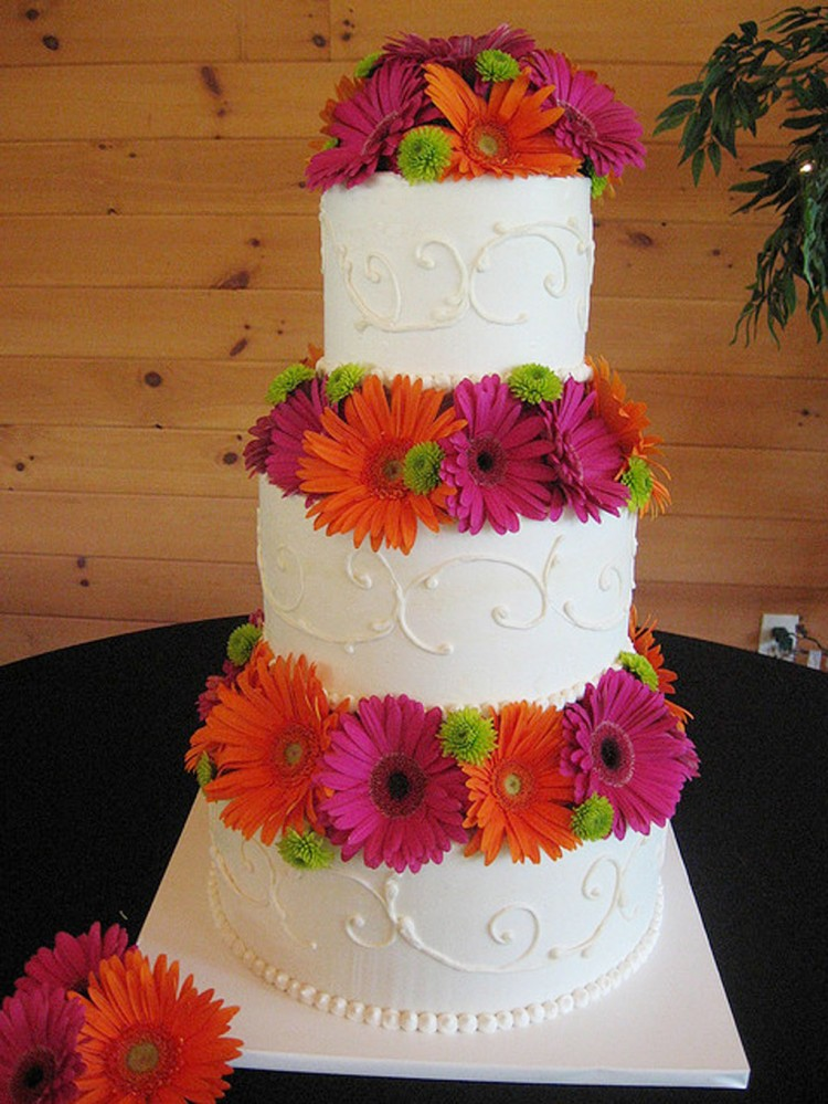 Gerber Daisy Wedding Cake Designs Picture in Wedding Cake