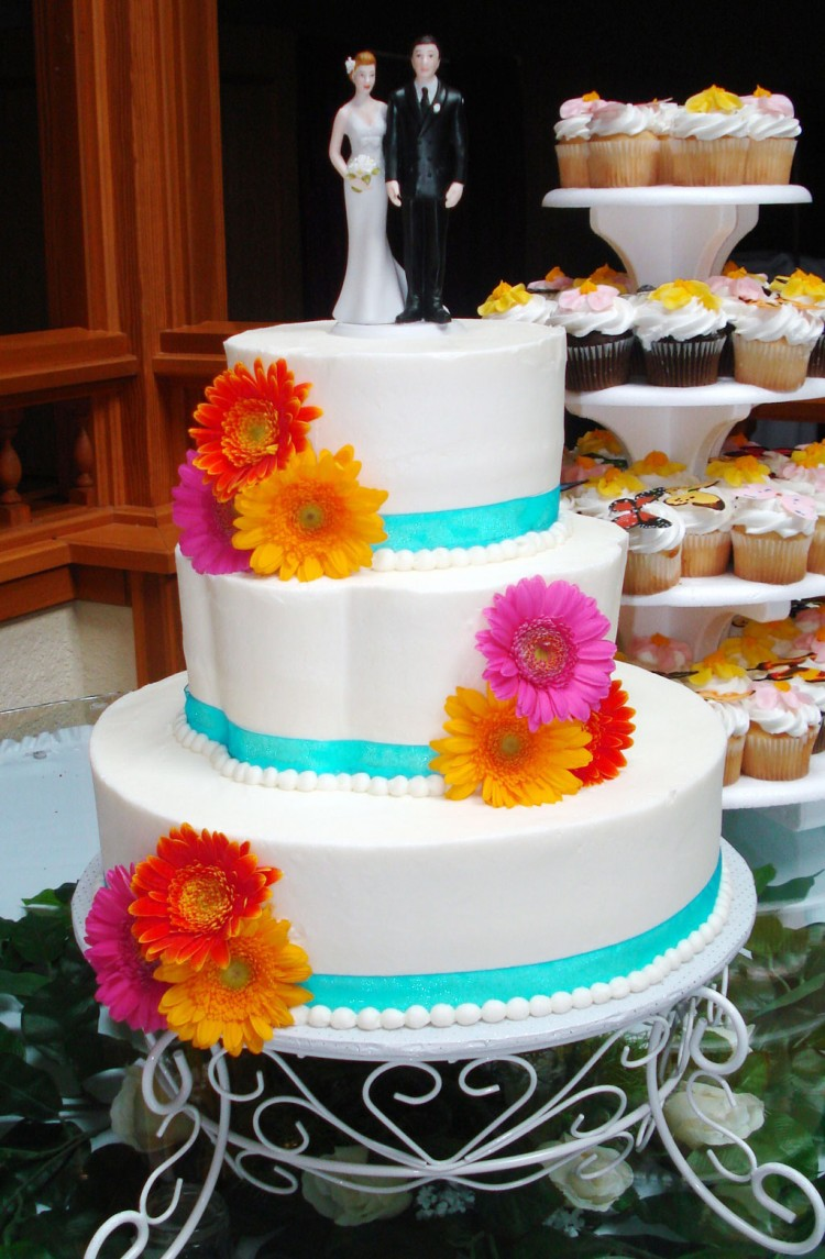 Gerber Daisy Wedding Cake Pictures Picture in Wedding Cake