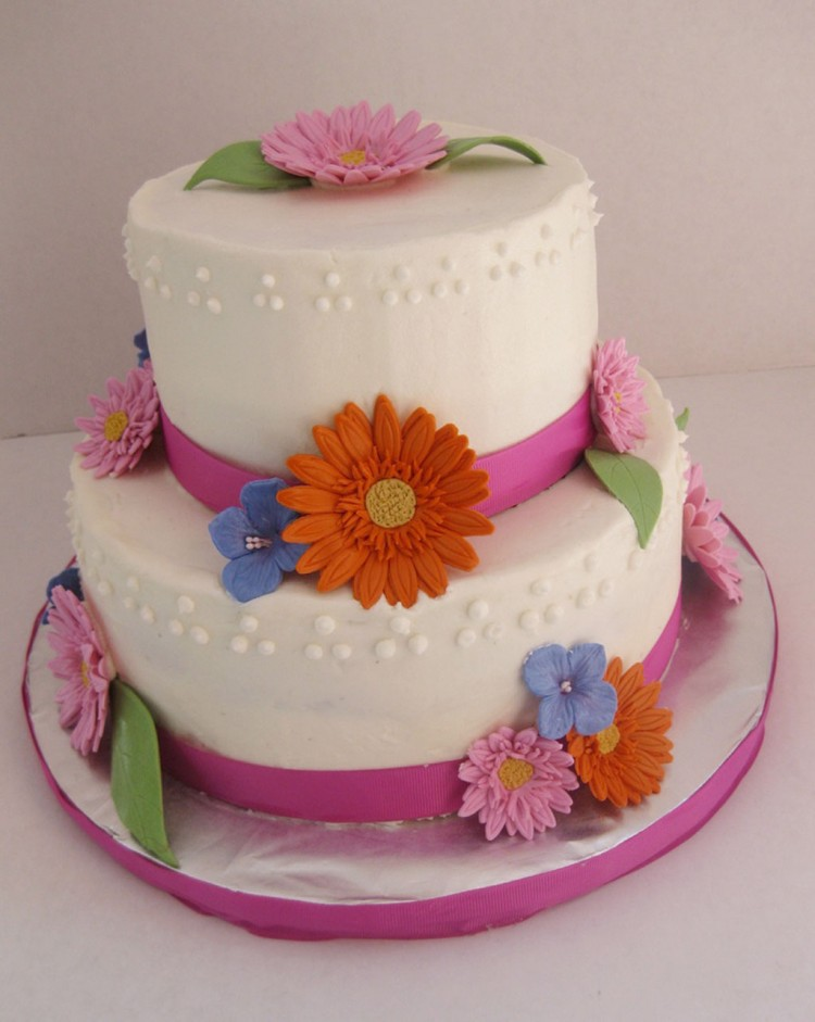 Gerbera Daisy Wedding Cake Topper Picture in Wedding Cake
