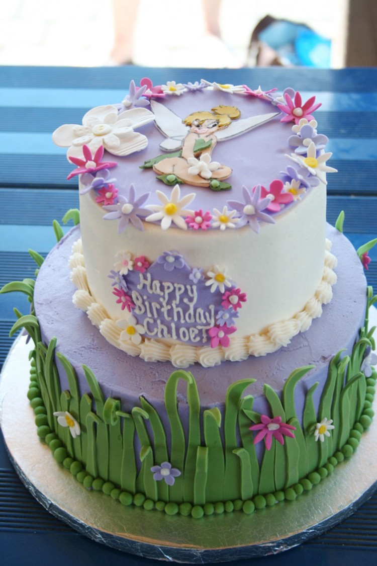 Grass And Flower Birthday Cake For Girl Picture in Birthday Cake