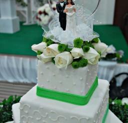 1024x1540px Green Apple White Theme Wedding Cake Picture in Wedding Cake