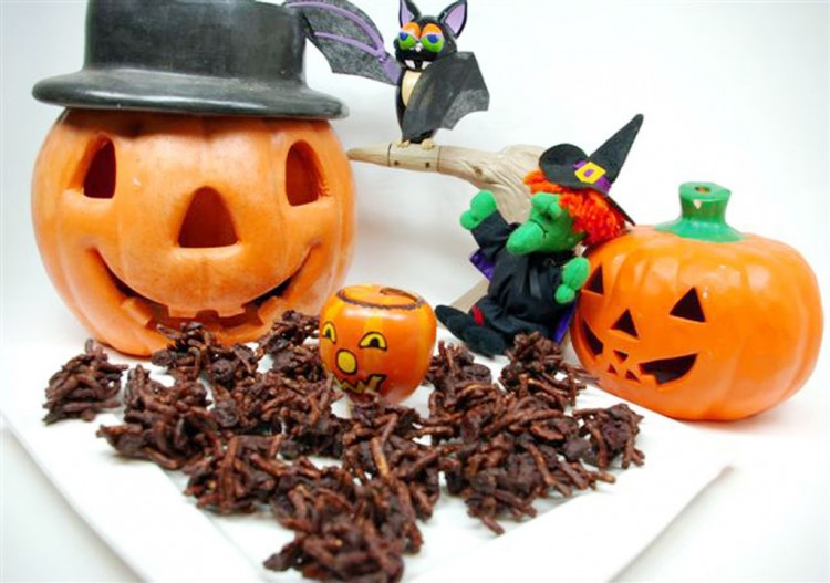 Halloween Chocolate Candy Ideas Picture in Chocolate Cake