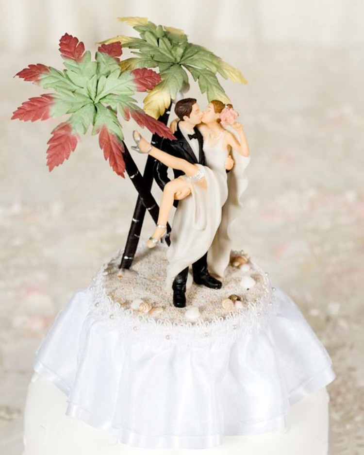 Hawaiian Wedding Cake Toppers Picture in Wedding Cake