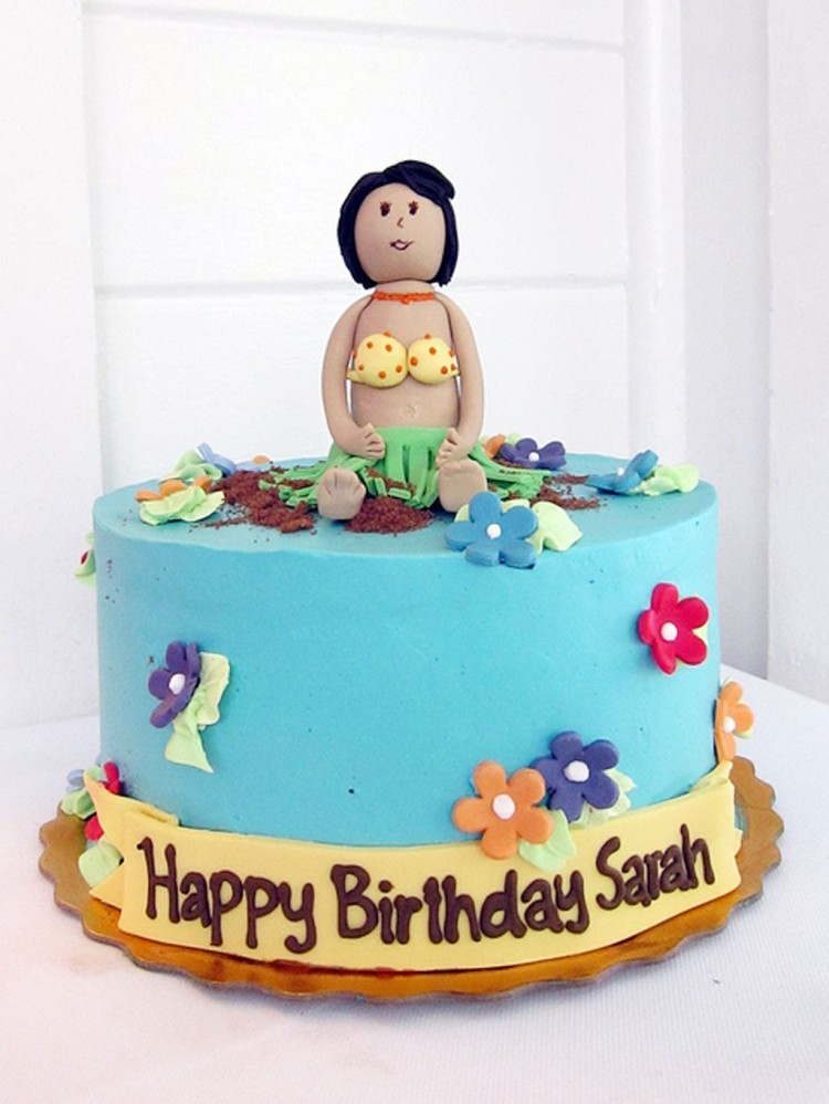 Hula Birthday Cake Topper Picture in Birthday Cake