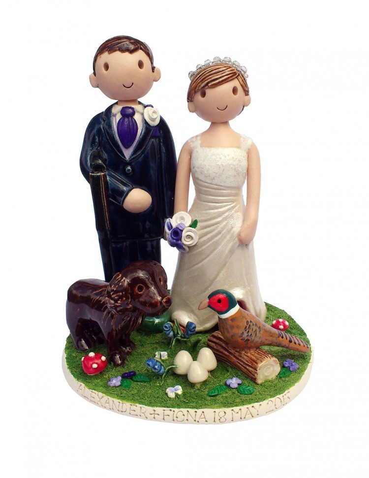 Hunting Themed Wedding Cake Topper Picture in Wedding Cake