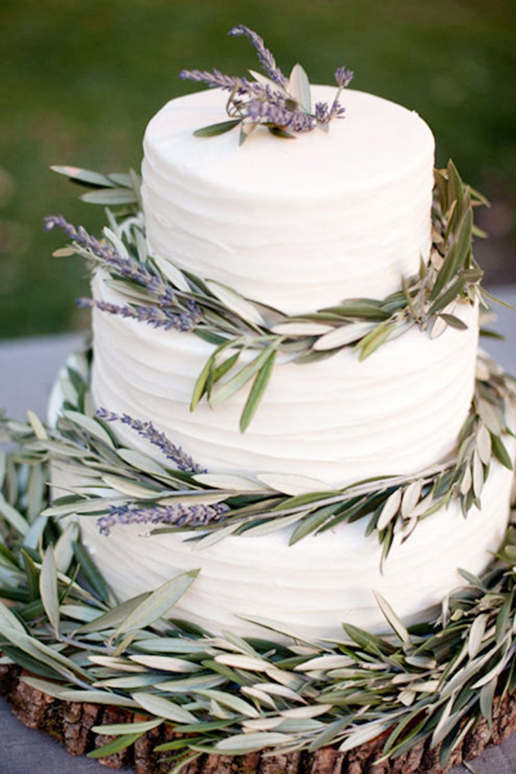 Lavender Leaves Wedding Cake Picture in Wedding Cake