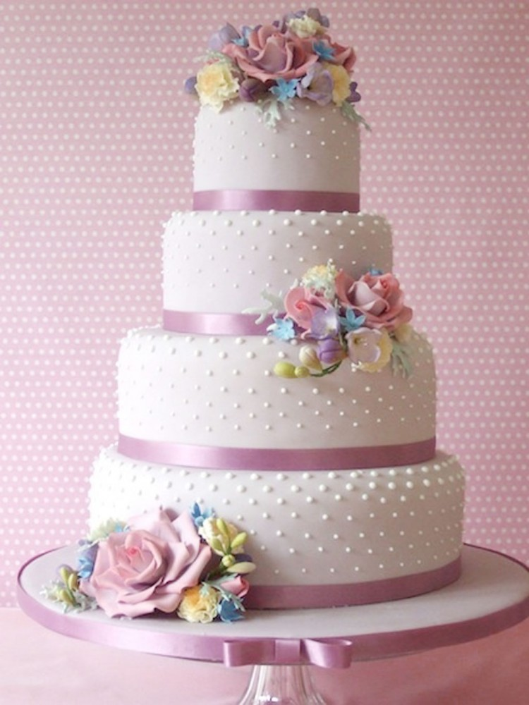 Loves Beautiful Wedding Cake Design Picture in Wedding Cake