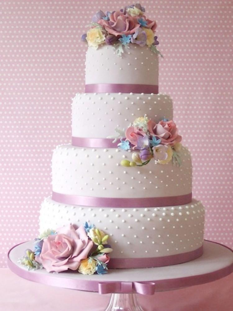 Loves Beautiful Wedding Cake Design Picture in Wedding Cake