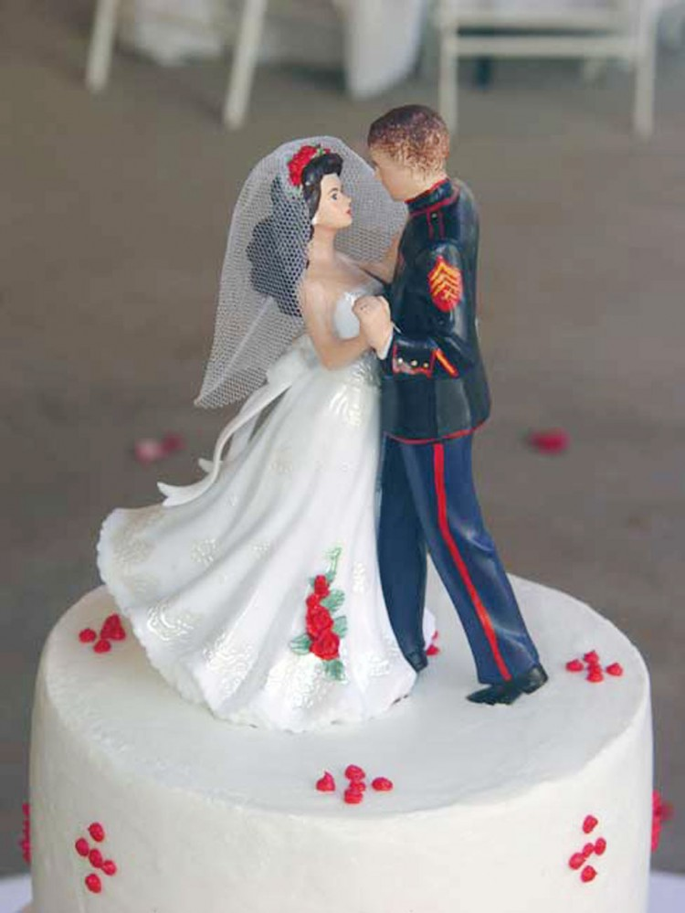 Marine Corps Wedding Cake Toppers Picture in Wedding Cake