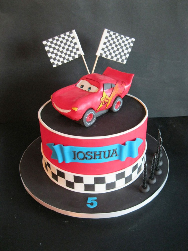 Mcqueen Birthday Cakes Designs Picture in Birthday Cake