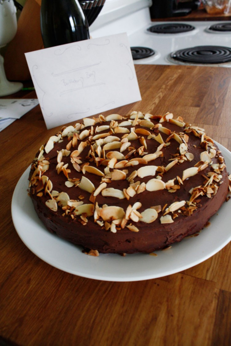 Mgarbanzo bean flour chocolate cake Picture in Wedding Cake