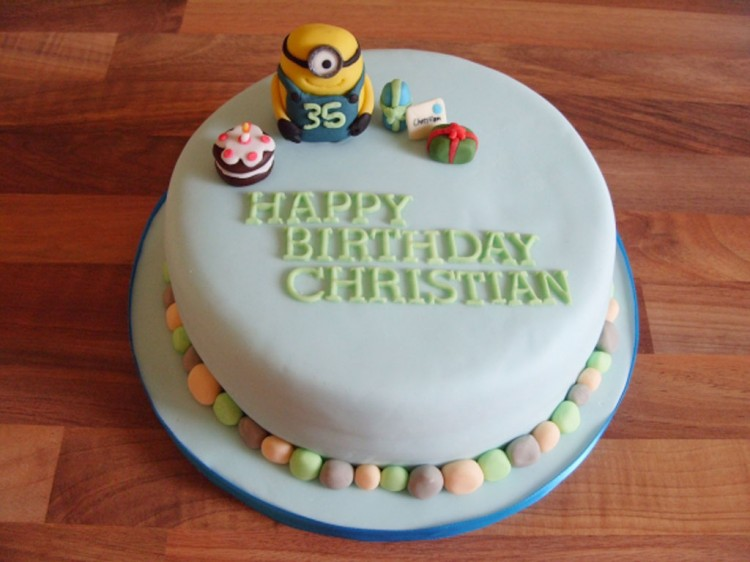 Minion Icing Figure With Birthday Picture in Birthday Cake