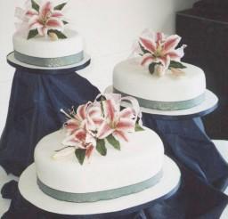 1024x1029px One Layer Stargazer Lily Wedding Cake Picture in Wedding Cake