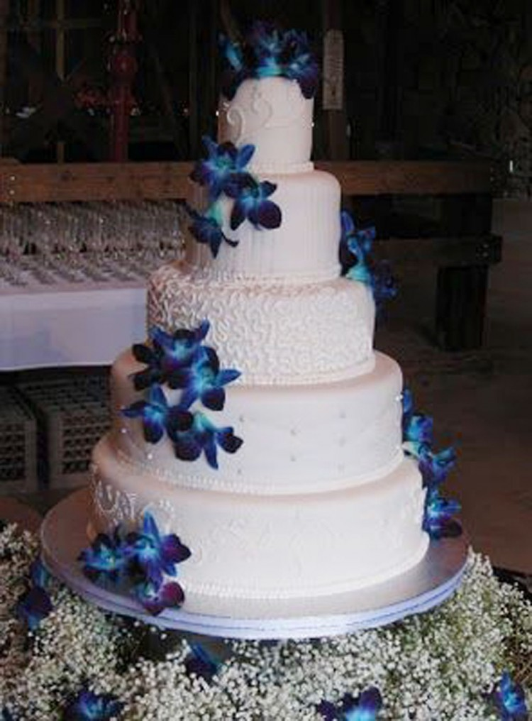 Orchids Wedding Cakes Ideas Picture in Wedding Cake