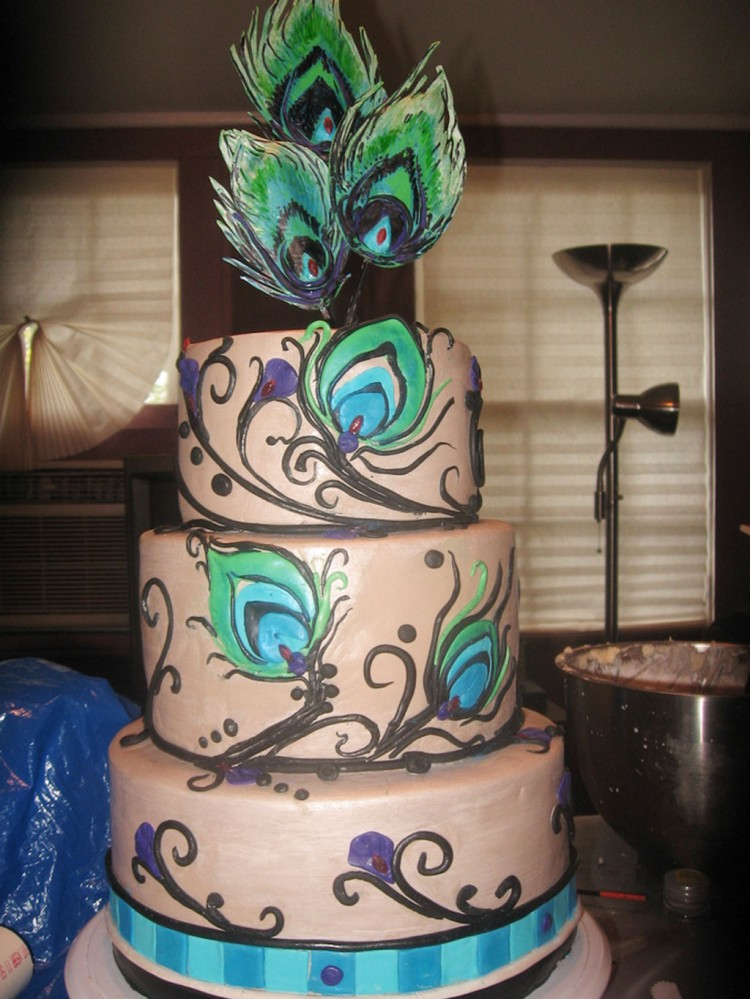 Peacock Feather Wedding Decorating Picture in Wedding Cake