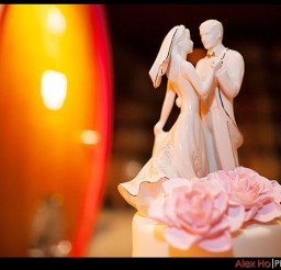 1024x712px Porcelain Romantic Wedding Cake Topper Picture in Wedding Cake