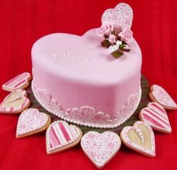 1024x896px Pretty Fondant Valentine Cake Picture in Valentine Cakes