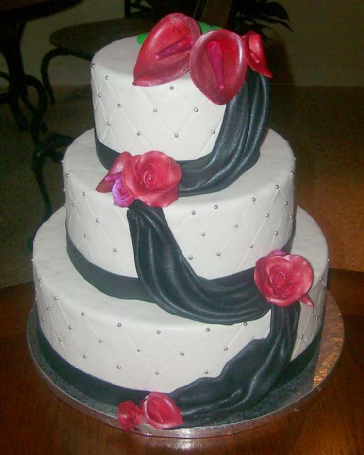 Red Calla Lily Wedding  Cake 1 Picture in Wedding Cake